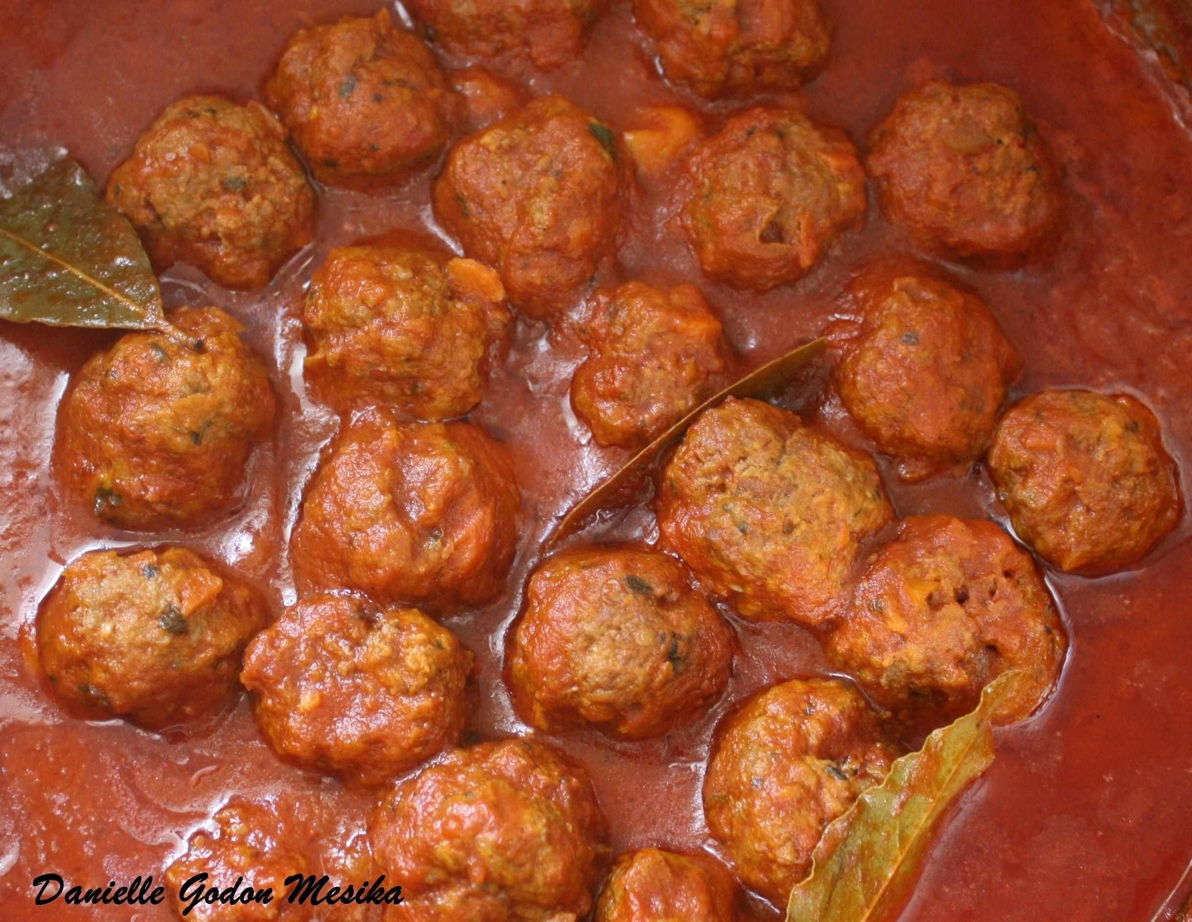 Boulettes de viande a la sauce tomate - Boulette de viande en sauce ...